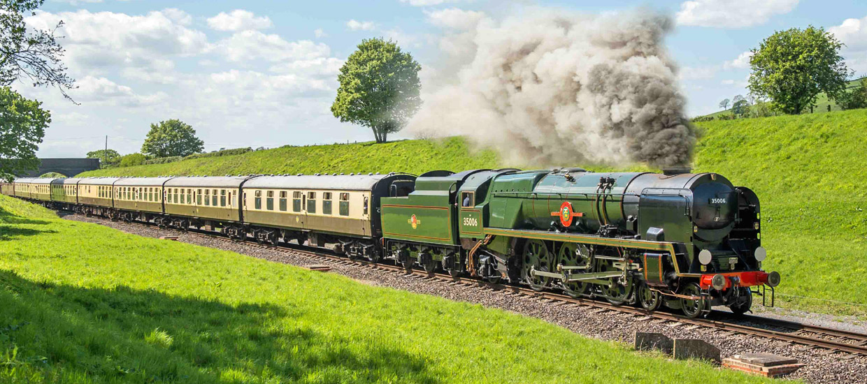 Gloucestershire & Warwickshire Steam Railway. Photo by Jack Boskett
